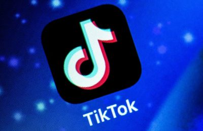 Microsoft ar vrea să cumpere TikTok, în timp ce Trump şi-ar dori să interzică aplicaţia în America