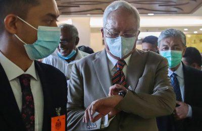 Najib Razak, fostul premier al Malaysiei, a fost găsit vinovat într-un dosar de corupţie: acuzaţiile care îi sunt aduse