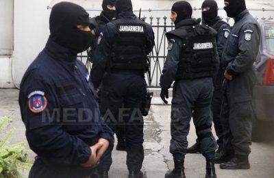Un comandant din Jandarmerie, trimis în judecată de procurorii DIICOT. Ce acuzaţii i se aduc