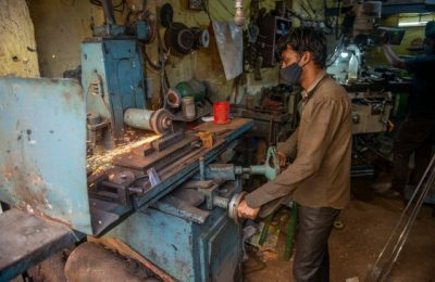Economia Indiei a înregistrat o scădere de 7,3% în ultimul an. Pandemia a lovit puternic ţara asiatică