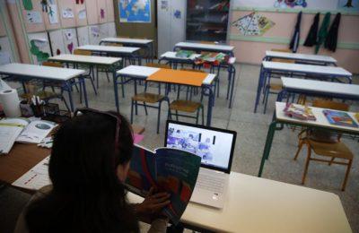 """România rămâne fără profesori. """"Sarcina statului este să crească atractivitatea carierei didactice"""""""