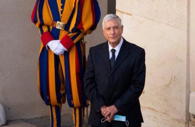 """Şoferul Papei Francisc se pensionează: """"Aplauze pentru Renzo şi pentru fidelitatea sa"""""""